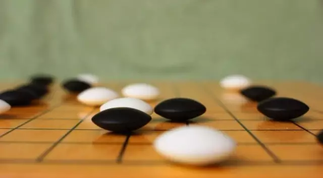 柯洁又输了,关于人工智能AlphaGo你需要知道些什么